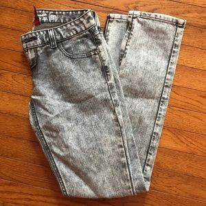 Stylish slim leg jeans 💥